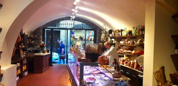 Mangili, la boutique dei migliori salumi e formaggi